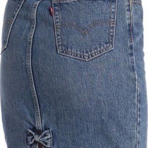 BNWT Levi's Denim Pencil  Skirt